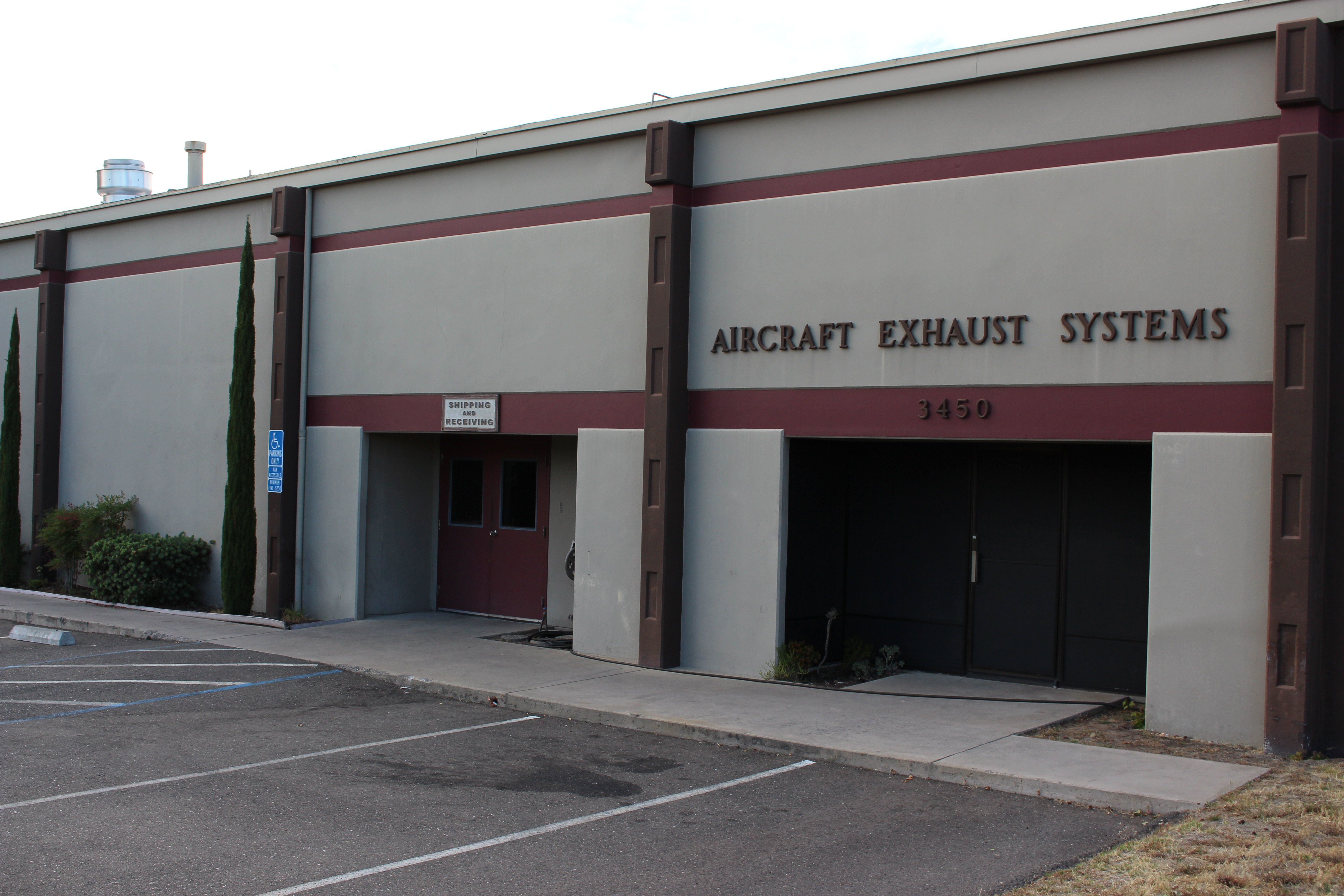 At Knisley Aircraft Exhaust System Store Front